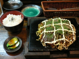 Modern_yaki,_rice_and_tsukemono_by_hirotomo_in_Osaka